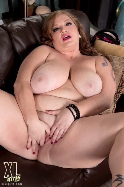 Christine Cox - Solo BBW photos