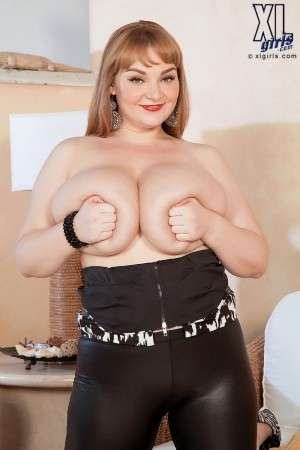 Micky Bells - Solo BBW photos