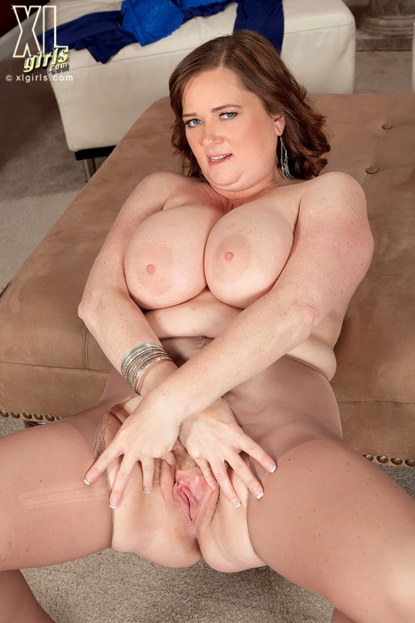 Gracie Blue - Solo BBW photos