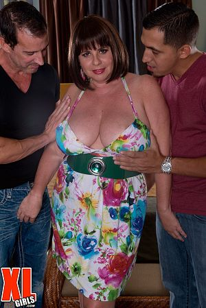 Juan Largo - XXX MILF photos