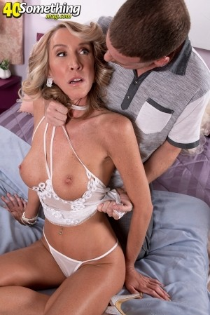 Brynn Hunter - XXX MILF photos