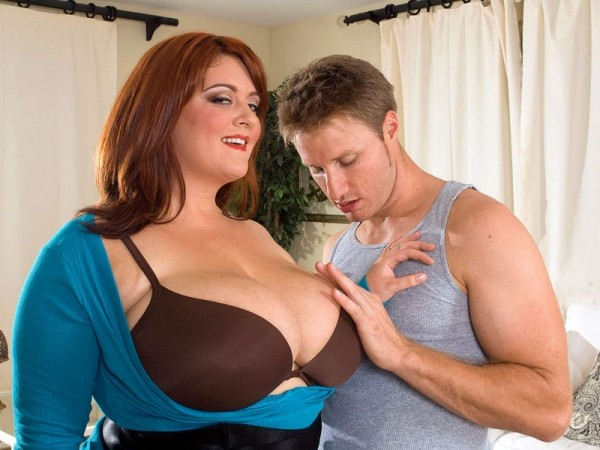 Peaches LaRue The Breast of XLGirls: Tit-Fucking 2