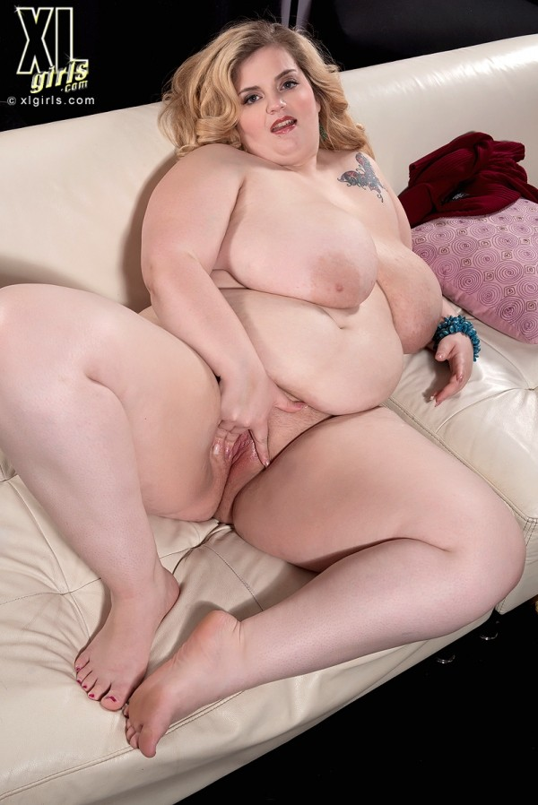 Sashaa Juggs - Solo BBW photos