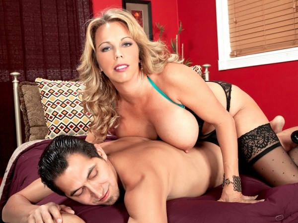 Amber Lynn Bach Oily To Bed