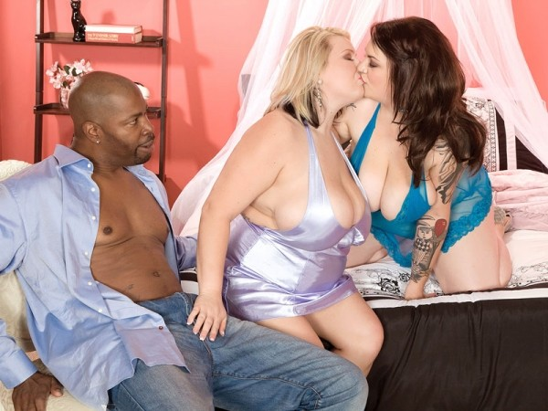 Molly Howard Best of XLGirls Threesomes