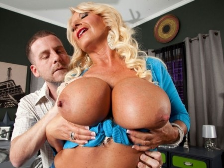Annellise Croft - XXX Big Tits video