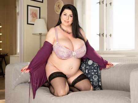 Natalie Fiore - Solo BBW video