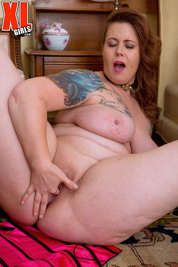 Vanya Vixen - Solo BBW photos