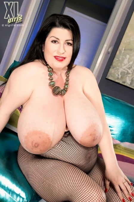 Natalie Fiore Boobs, Bump & Booty In A Body Stocking