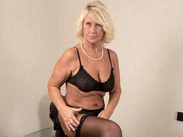 Granny Gets Creampie 74