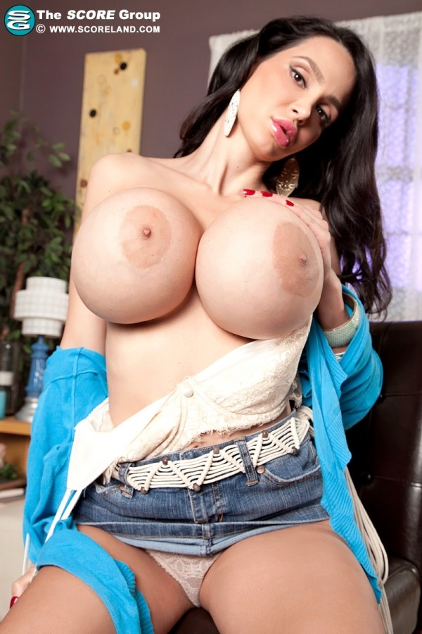 Amy Anderssen Encounter With The SuperVixen