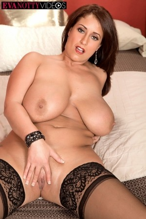 Eva Notty - Solo Big Tits photos thumb