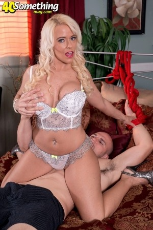 Savannah Steele It's Big-Cock Time For Savannah