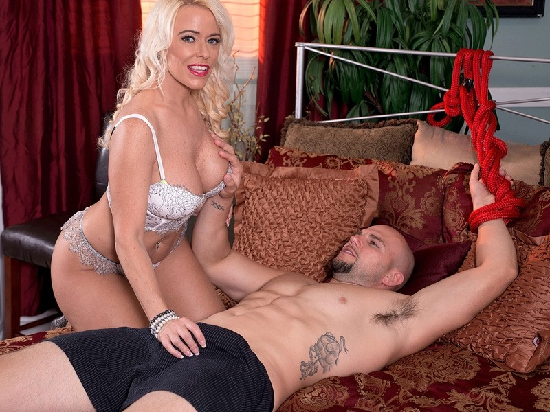 Savannah Steele Savannah Gets Treated Like A Fuck Toy