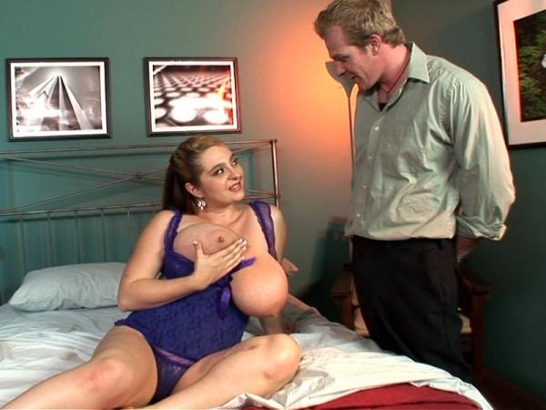 April McKenzie - XXX Big Tits video