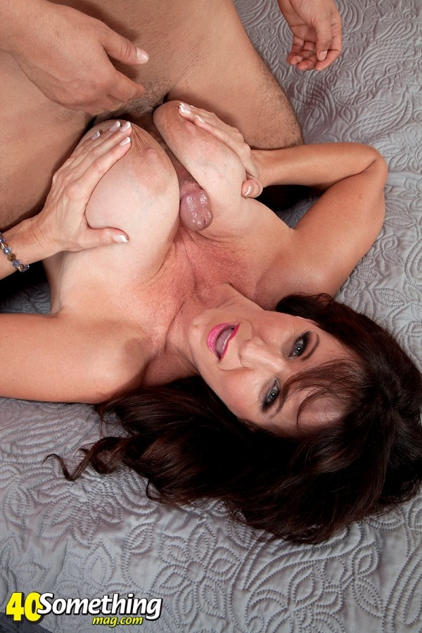Cassie Cougar - XXX MILF photos