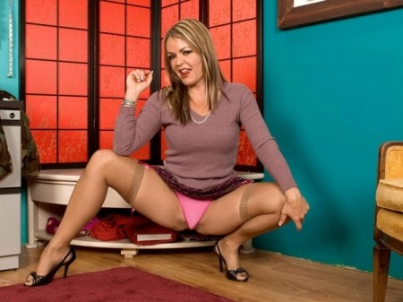 Kelly Leigh - XXX Feet video