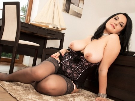 Roxanne Diamond - Solo Big Tits video