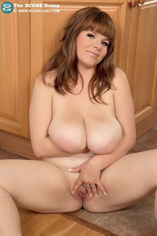 Cassie - Solo Big Tits photos