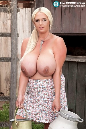 Emilia Boshe - Solo Big Tits photos