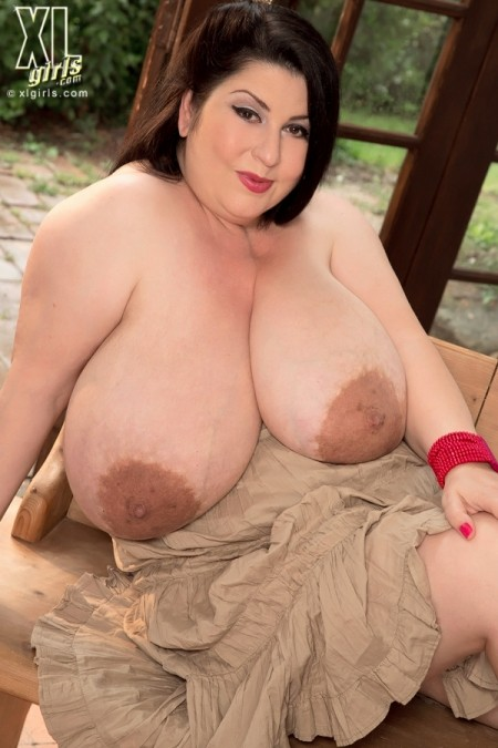 Natalie Fiore Mama's Got Tits
