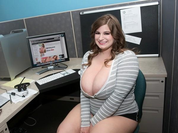 Sarah Rae Busty Receptionist