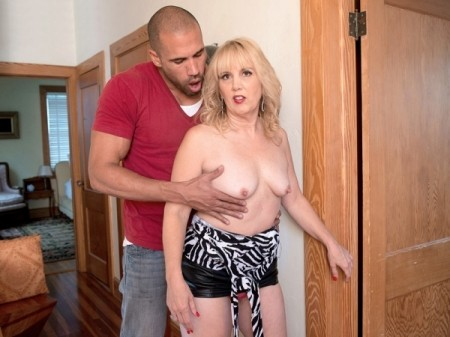 Rebecca Williams - XXX MILF video
