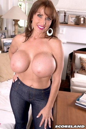 Shelby Gibson - Solo Big Tits photos
