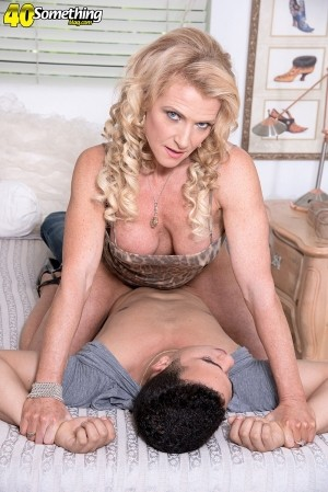 Amanda Verhooks Verhooked on anal