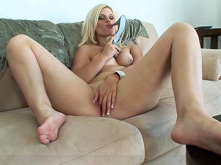 girl legs behind head squirt