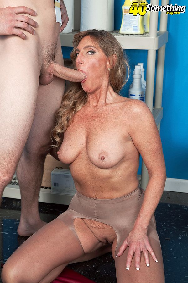 Lynn - XXX MILF photos