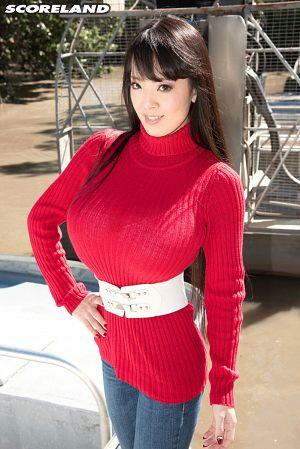 Hitomi - Solo Big Tits photos