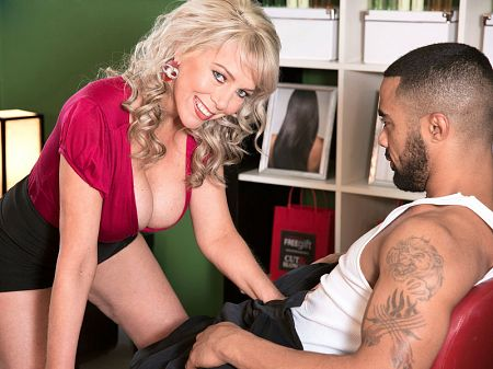 Tarise Taylor - XXX Big Tits video