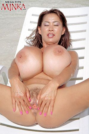Minka - Solo Big Tits photos thumb