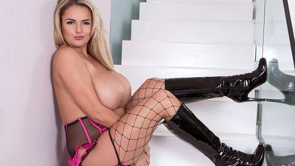Katie Thornton - Solo Big Tits video