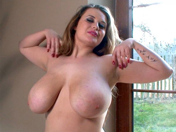 Larissa Linn - Solo Big Tits video