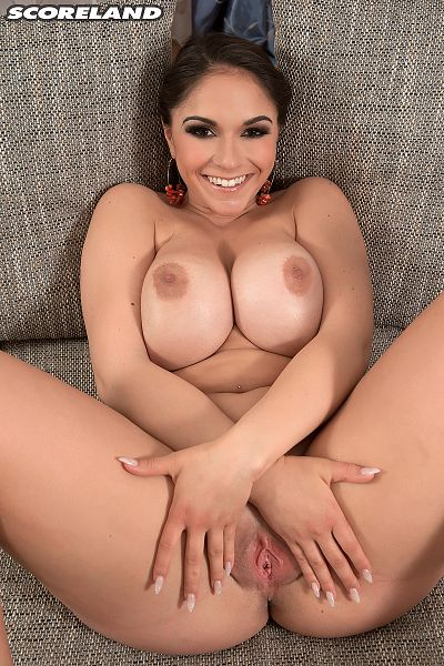 Marta La Croft - Solo Big Tits photos