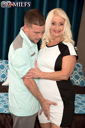 Vikki Vaughn - XXX Granny photos