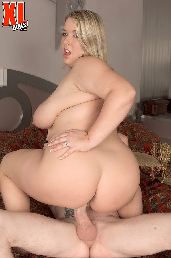 Ivy Dreams - XXX BBW photos