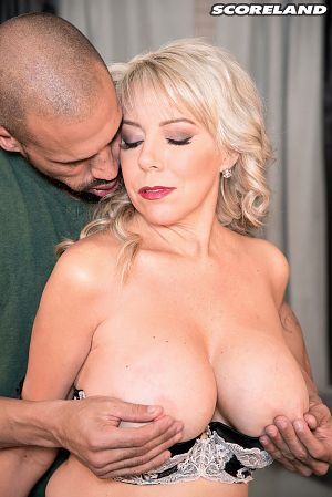 Tarise Taylor - XXX Big Tits photos
