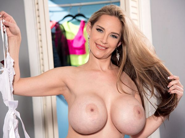 Desiree Vega - Solo Big Tits video