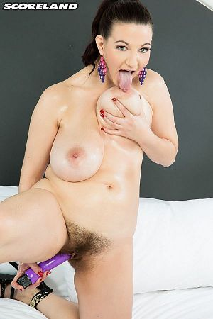 Vanessa Y. - Solo Big Tits photos thumb