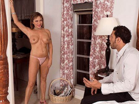 Luna Azul - XXX MILF video
