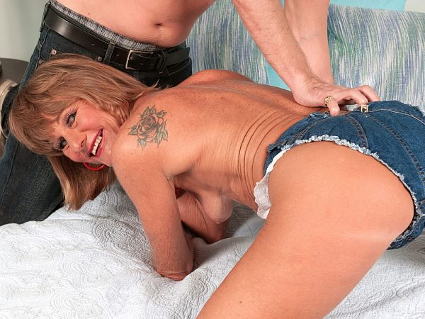 Daisy Lou's first on-camera fuck