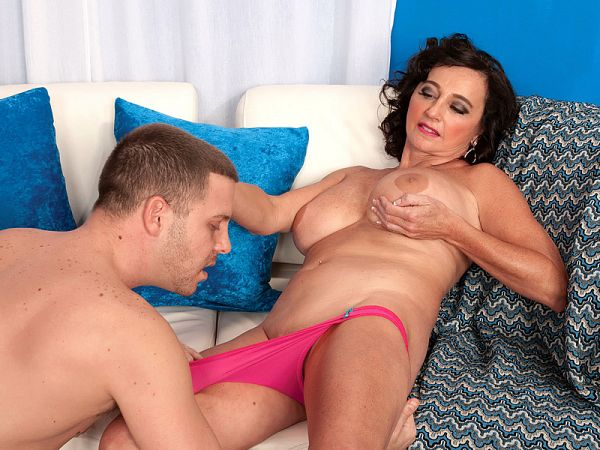 A proper creampie for Ciara