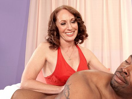 Carolyn Khols - XXX MILF video