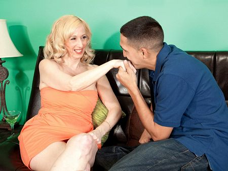 Jackie Pierson - XXX MILF video