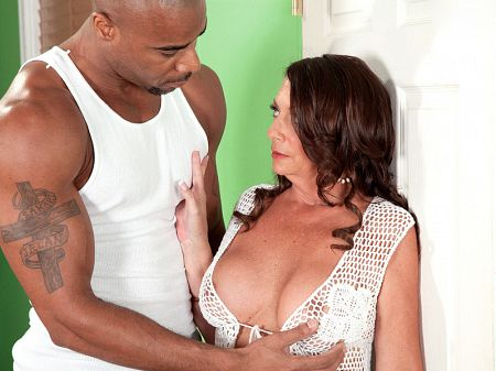 Margo Sullivan - XXX MILF video