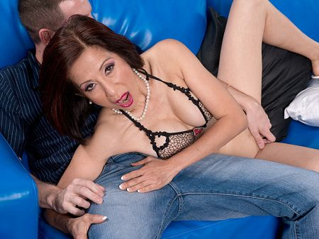 Kim Anh - XXX MILF video