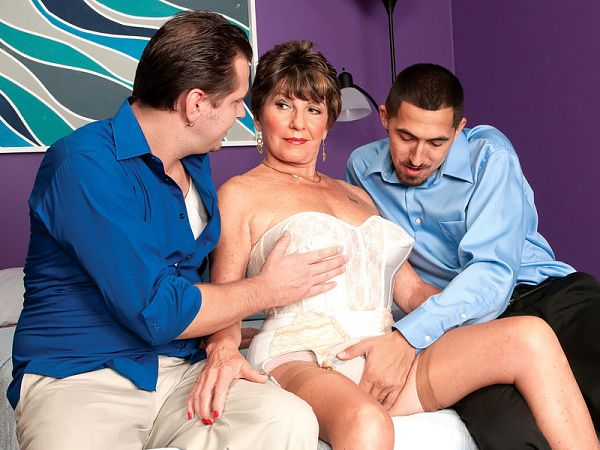 Bea's three-way fantasy cums true